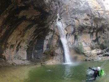 Barranco de Poyatos con agua
