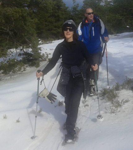 Caminando con raquetas de nieve cerca de Madrid