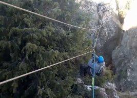 Tirolina en Via ferrata pasarela espeja